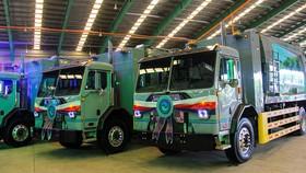 VWS tặng 6 chiếc xe vận chuyển rác thải chuyên dụng trị giá hơn 60 tỷ đồng