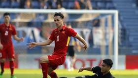 Việt Nam và Thái Lan ở lần gặp gỡ cuối năm 2017 tại Buriram. Ảnh: ANH KHOA