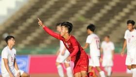U22 Việt Nam - U22 Philippines 2-1: Hai cầu thủ vào sân từ ghế dự bị đều lập công