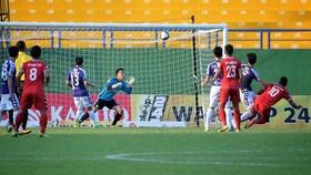 Wander Luiz ghi bàn thắng mở tỷ số cho B.Bình Dương. Ảnh: ĐỨC DUY