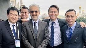 Ông Trần Quốc Tuấn (bìa phải) hiện đang là ủy viên thường trực AFC