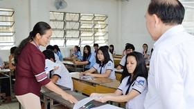 200 học sinh ngoài đảo Phú Quý chuẩn bị thi THPT