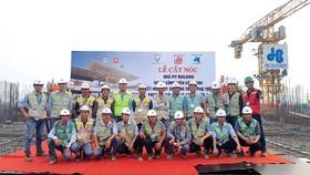 Công ty CP Tập đoàn Xây dựng Hòa Bình cất nóc công trình nhà PIT Building