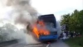 Xăng giả là thủ phạm gây cháy các trường hợp xe đang chạy