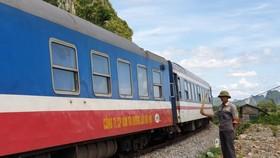 Hiu hắt đường sắt - Bài 3: Dâu bể bên thanh ray