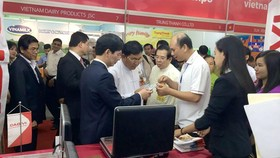 Gian hàng của doanh nghiệp Việt tại Hội chợ hàng Việt Nam tại Myanmar năm 2018