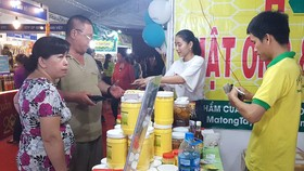"""Giúp hàng Việt """"bám rễ"""" vùng nông thôn"""