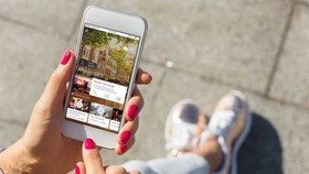 More Vietnamese are using their mobile devices for travel purchases, presenting a growth opportunity for online travel agents (Photo: Hostelworld)
