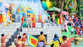 An art performance in Suoi Tien Cultural Park