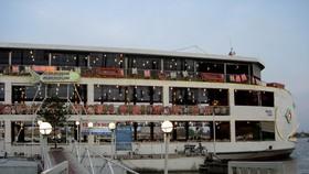 A floating restaurant in Bach Dang Pier. (Photo: KK)
