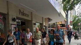Foreign tourists visit Ho Chi Minh City (Source: VNA)