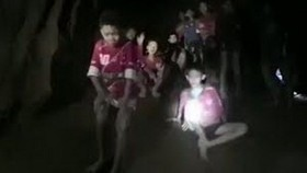 Boys are found alive after nine days trapped inside Tham Luang cave (Photo: BBC)