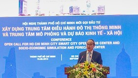 Secretary of HCMC Party Committee Nguyen Thien Nhan speaks at the conference. (Photo: Sggp)
