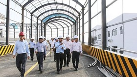 Officials visit the waste-to-energy plant in Can Tho on October 15 (Photo: baocantho.com.vn)