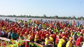 Ngo boat race in the festival