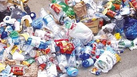 Tourism sector strives to reduce plastic use