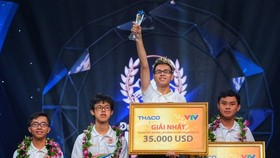 Nguyen The Trung, a student from Phan Boi Chau High School for Gifted Students in Nghe An province wins the 19th Road to Olympia Peak .