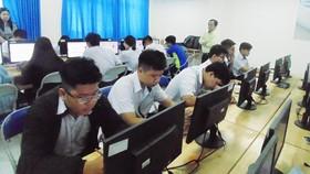 TPHCM: Lần đầu tiên áp dụng thi trực tuyến