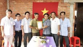 Trao nhà nghĩa tình đồng đội cho hội viên cựu chiến binh