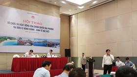 Đại diện Ban soạn thảo thuyết trình tại hội thảo