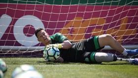 Thủ môn của đội bóng xấu số Chapecoense trở thành tuyển thủ Paralympic Brazil