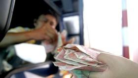 Nhức nhối chi tiền lẻ trạm thu phí