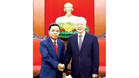 Tổng Bí thư Nguyễn Phú Trọng tiếp đồng chí Khamphan Phommathat, Bí thư Trung ương Đảng, Chánh Văn phòng Trung ương Đảng NDCM Lào