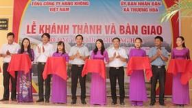 Lễ khánh thành trường học dành tại huyện Minh Hóa. Ảnh: Vietnam Airlines