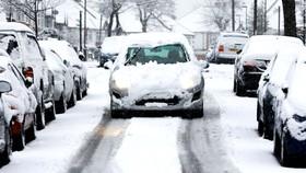 Tuyết gây khó khăn cho giao thông ở Anh
