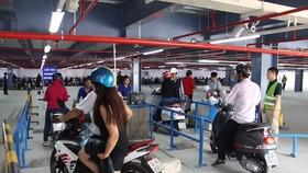 Giá giữ xe ô tô sân bay Tân Sơn Nhất lên đến 250.000 đồng/ngày đêm