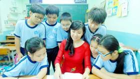 Cô và trò Trường tiểu học Vạn Tường (Phú Nhuận)