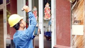Ghi chỉ số tiêu thụ điện của khách hàng bằng cách thủ công sẽ chấm dứt khi ĐKĐTĐX được lắp đặt