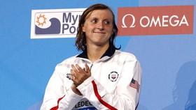 Katie Ledecky đi vào lịch sử là nữ kình ngư thắng nhiều HCV nhất.