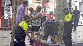 Nạn nhân vụ tấn công lao xe khủng bố ở Barcelona hôm 18-8