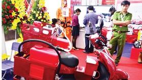 Xe chữa cháy mini để tiếp cận và chữa cháy trong các hẻm nhỏ