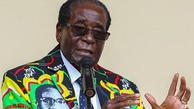 Tổng thống Zimbabwe Robert Mugabe đồng ý từ chức. Ảnh: REUTERS