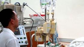 Việc truyền dịch để điều trị bệnh SXH cần phải có chỉ định của bác sĩ tại bệnh viện, tuyệt đối không được tự ý truyền dịch ở nhà