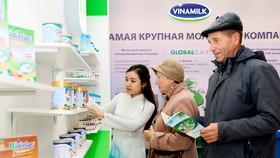 Ảnh chụp tại hội chợ Hàng Việt Nam chất lượng cao tại Liên Bang Nga. Sản phẩm của Vinamilk hiện cũng có mặt ở hơn 40 nước trên thế giới