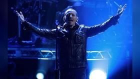 Thủ lĩnh ban nhạc Linkin Park tự tử ở tuổi 41