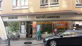 Một cửa hàng bán bánh mì Việt ở thành phố Malmo (Thụy Điển)