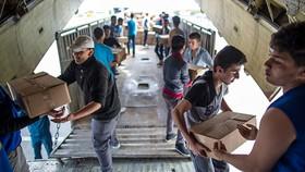 Chuyển hàng cứu trợ đến người dân ở Aleppo