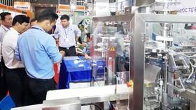 Các doanh nghiệp  tiếp cận máy móc  hiện đại