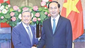 國家主席陳大光接見加拿大國際貿易部長弗朗。
