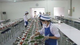 工業區內一集體食堂。(圖源:互聯網)