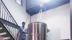 保存展文蓮遺體的液氮罐。(圖源:互聯網)