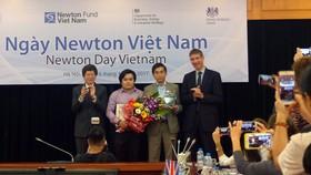Giải thưởng Newton Việt Nam đầu tiên có trị giá 200.000 bảng Anh