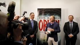 Vừa ra mắt tại Hội chợ Sách Frankfurt, sách mới của Dan Brown sắp đến với độc giả Việt