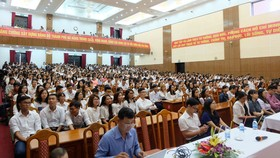 Hơn 600 tình nguyện viên và liên lạc viên ra quân phục vụ APEC 2017 tại Đà Nẵng