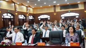 100% đại biểu biểu quyết đồng ý bãi nhiệm chức Chủ tịch HĐND TP Đà Nẵng đối với ông Nguyễn Xuân Anh