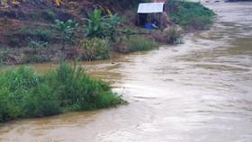 Tìm thấy thi thể nạn nhân bị lũ cuốn trôi trên sông Đồng Nai